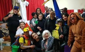 Varias familias hueteñas recaudan más de 1.800 euros gracias a una obra de teatro solidaria