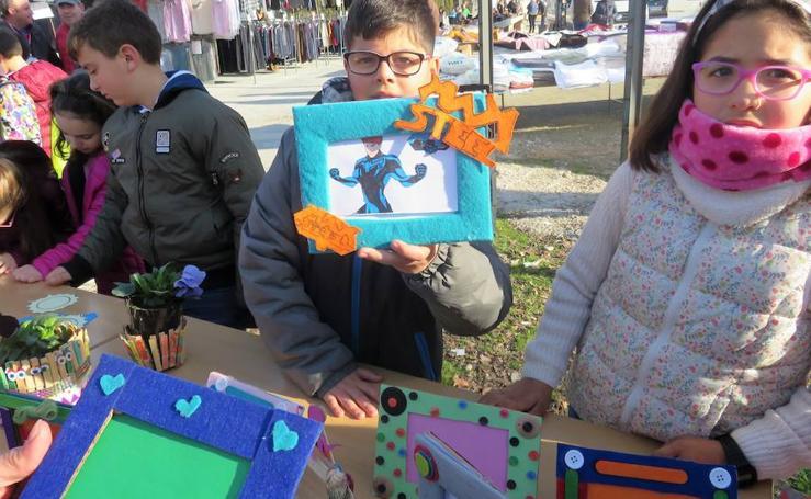 Mercadillo Solidario en Loja: Manualidades por los niños saharauis de Auserd