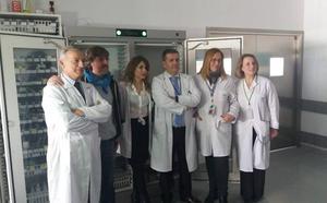 Premian a un equipo del Hospital de Loja por su estudio del sistema de registro de implantes