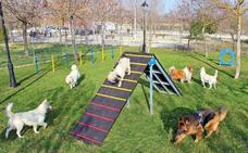 Huétor Tájar estrenará en unos días el primer parque para perros del municipio