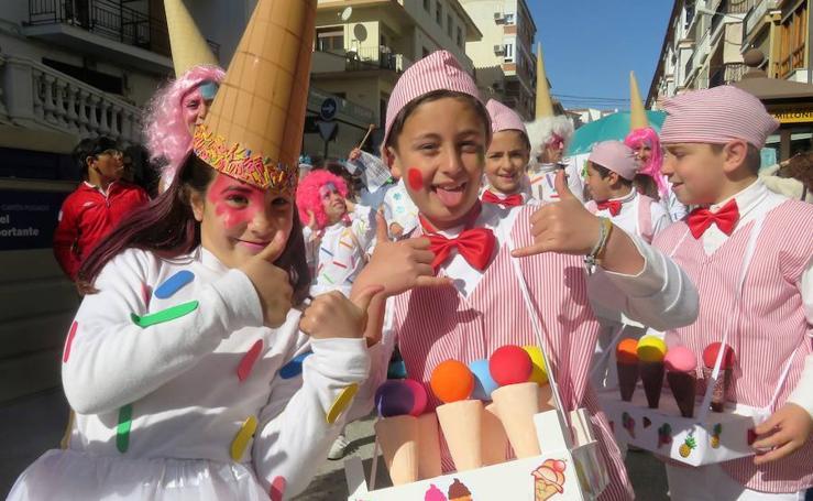 Los colegios lojeños sacan su 'Carnaval' a las calles