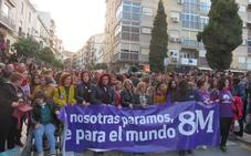 Cerca de 1.500 lojeños se unen por la Igualdad en su primera manifestación feminista