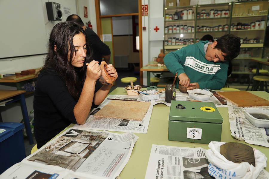 La cerámica como fórmula contra el abandono escolar
