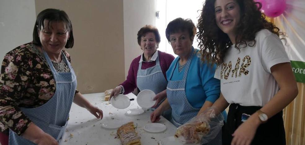Ventorros de San José colabora con un 'brazo de gitano solidario' con la AECC