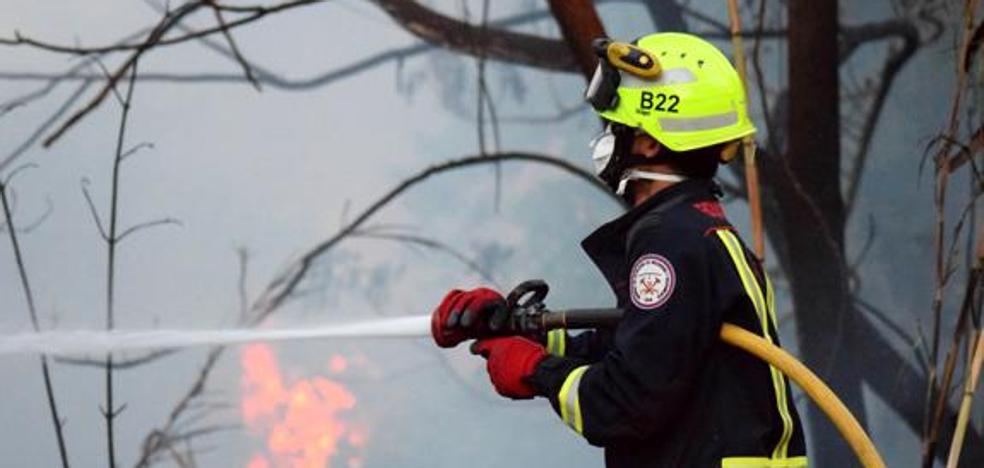 El Ayuntamiento de Loja convoca cinco plazas de bombero-conductor