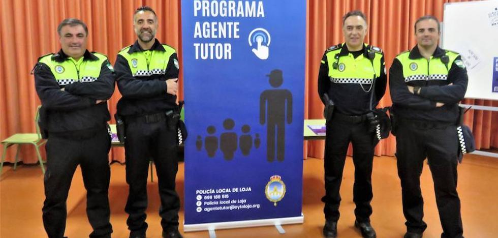 El policía 'tutor' llega a los centros educativos lojeños