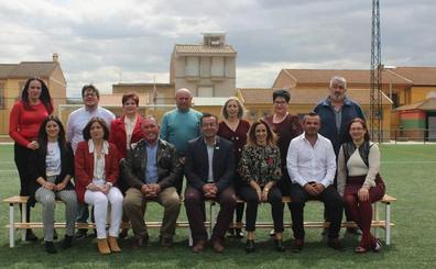 Ocho mujeres y seis hombres componen en Salar la candidatura de IU para las municipales