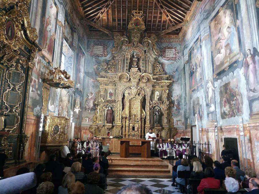 La Iglesia del lojeño Convento de Santa Clara reabre sus puertas siete años después