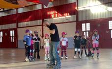 El patinaje, «sobre ruedas» en Huétor Tájar