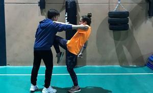 Un campeón de kick boxing enseñará a las salareñas cómo defenderse ante una agresión