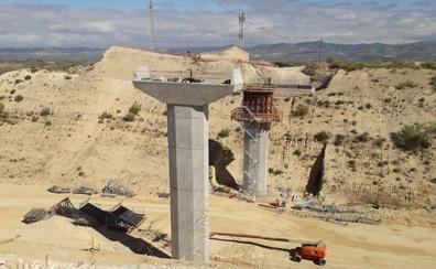 Avanzan las obras del nuevo puente de la variante de Moraleda