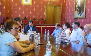 Loja reclama a la Diputación que «se implique» y defienda más paradas AVE en el Poniente