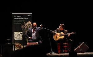 El cantaor jiennense Francisco Heredia se lleva el 'Espárrago Verde de Oro'