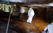 Jóvenes voluntarios de todo el mundo vuelven este verano a estudiar la Cueva de Malalmuerzo de Moclín