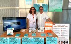 Los sanitarios conciencian a los lojeños sobre la necesidad de prevenir y diagnosticar cuanto antes el cáncer de piel