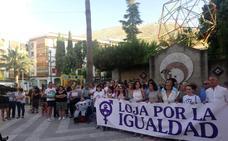 Vecinos de Loja se concentran para reclamar más y mejor justicia para las víctimas de las violaciones