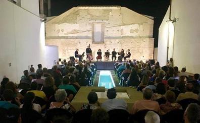 Huétor Tájar clausura mañana sus 'Noches en la Torre' con la copla de Inmaculada Rejón