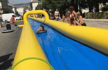 Tobogán gigante de 100 metros en plena calle de Montefrío