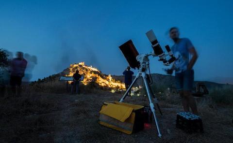 Moclín fomenta el turismo estelar recreando la misión Apolo XI