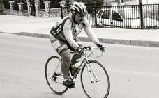 Varias peñas granadinas rinden homenaje al ciclista Diego López, recientemente fallecido