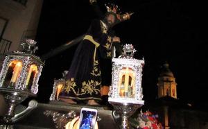 Jesús Nazareno comienza a visitar los templos lojeños con motivo de su 400 aniversario