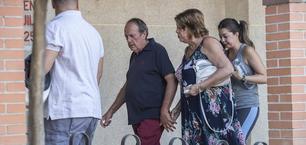 El padre de la mujer asesinada en Maracena: «A mi hija le negaron la ayuda para salir de ese piso»