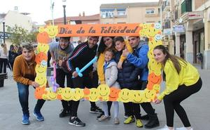 La juventud de Maracena celebra el Día de la Felicidad
