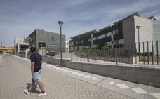 La empresa de la residencia de Maracena releva a la directora tras las quejas de los familiares