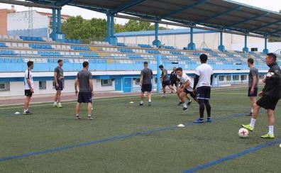 La UD Maracena visita al Atlético Monachil en busca del campeonato