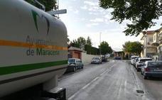 La segunda vuelta de desinfección en Maracena, todavía en marcha