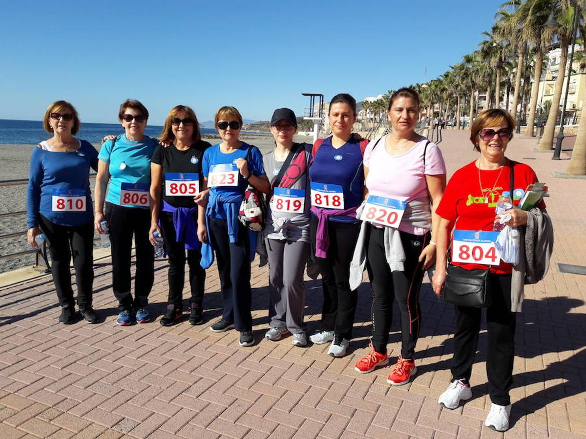 Una marcha de color azul para combatir la diabetes