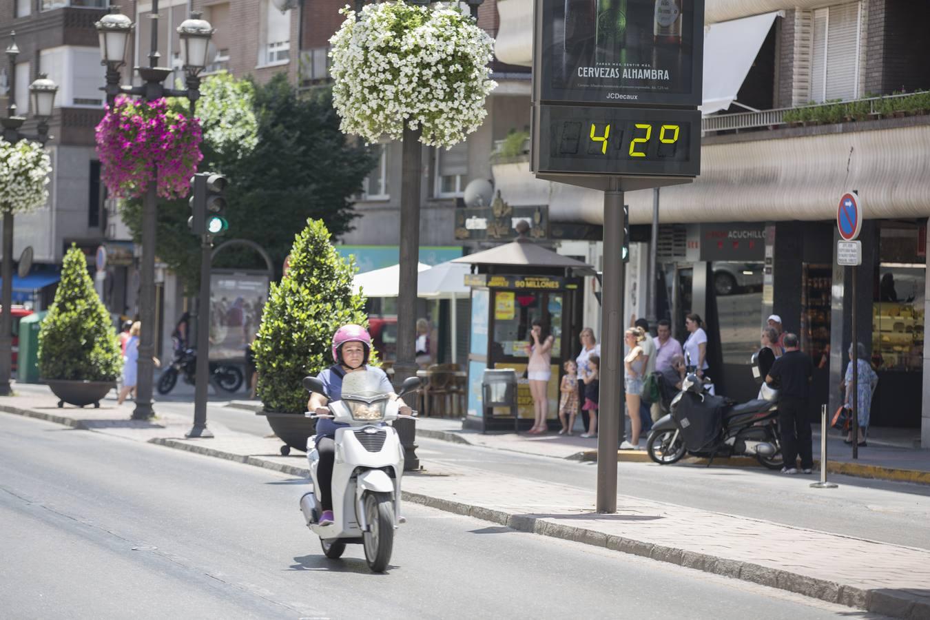 Granada sucumbe a la ola de calor