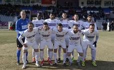 El Real Jaén tiene ya cerrados a 15 jugadores, a la espera de Ramón y Juanma Espinosa