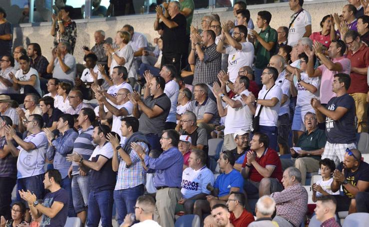 Fiesta en las gradas del Real Jaén