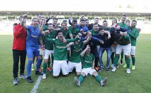 Racing de Ferrol y Real Jaén, duelo de históricos por el ascenso a Segunda B