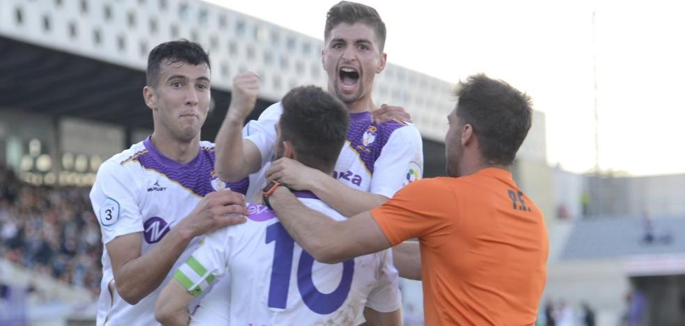 El Real Jaén ya prepara la final en Galicia