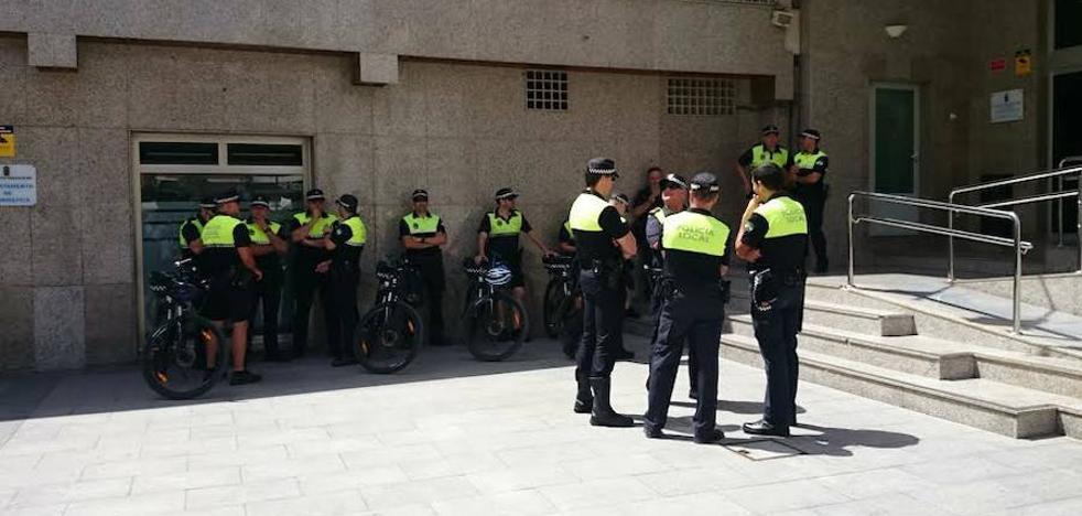 La Policía Local de Roquetas se reorganiza de cara al verano con nuevos servicios