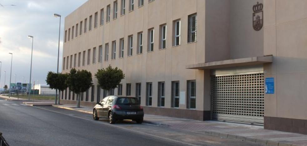 La Guardia Civil estudia su traslado al Centro de Servicios Sociales para después del verano