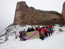 Senderismo en la nieve para iniciar las actividades deportivas en naturaleza