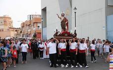 La procesión de San Juan Bautista cerró las fiestas de Las 200 Viviendas