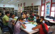 Vícar septuplica la tasa de bibliotecas por habitantes de Roquetas de Mar