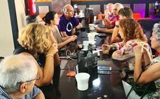 Isabel Franco mantuvo un encuentro con militantes de Podemos Roquetas