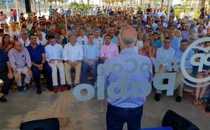 Zoido se pasa al bando de Casado, que busca en Almería quedarse con los apoyos de Cospedal