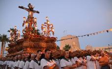 Multitudinaria procesión del Cristo del Mar