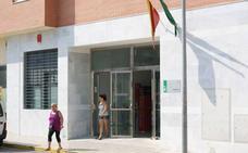 La Guardia Civil detiene a dos jóvenes de Roquetas por robar con violencia a un menor de 15 años