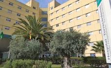 Fallece la mujer que se precipitó desde un balcón en Roquetas cuando trataba de entrar en su piso sin las llaves