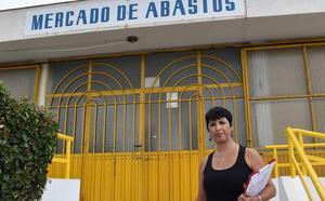 IU exige transparencia en la adjudicación de los puestos del Mercado de Aguadulce