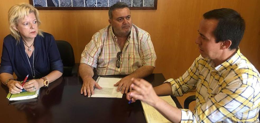 El PSOE gestiona ante el Consorcio conexiones dominicales con el Poniente