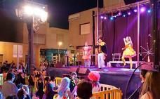 Pasacalles, animación y el musical de tributo a Queen en la Noche de Halloween de Roquetas