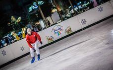 El Little Park navideño del parque de Los Bajos ya tiene pista de hielo